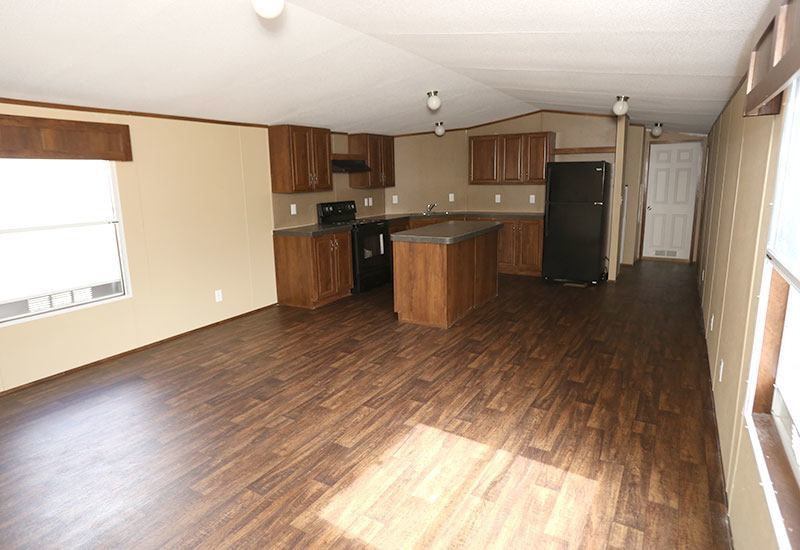 Fleetwood Berkshire 16723B Mobile Home Living Room and Kitchen
