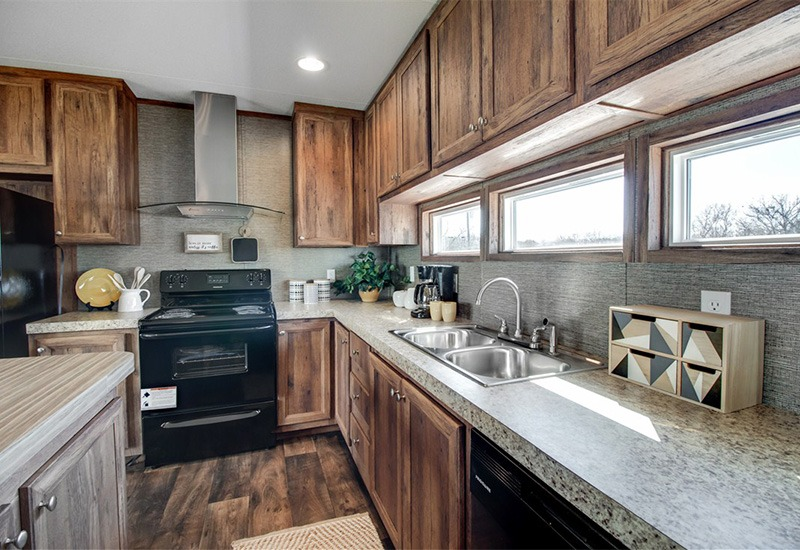 The Revolution REV16763A - 3 Bed 2 Bath Mobile Home For Sale